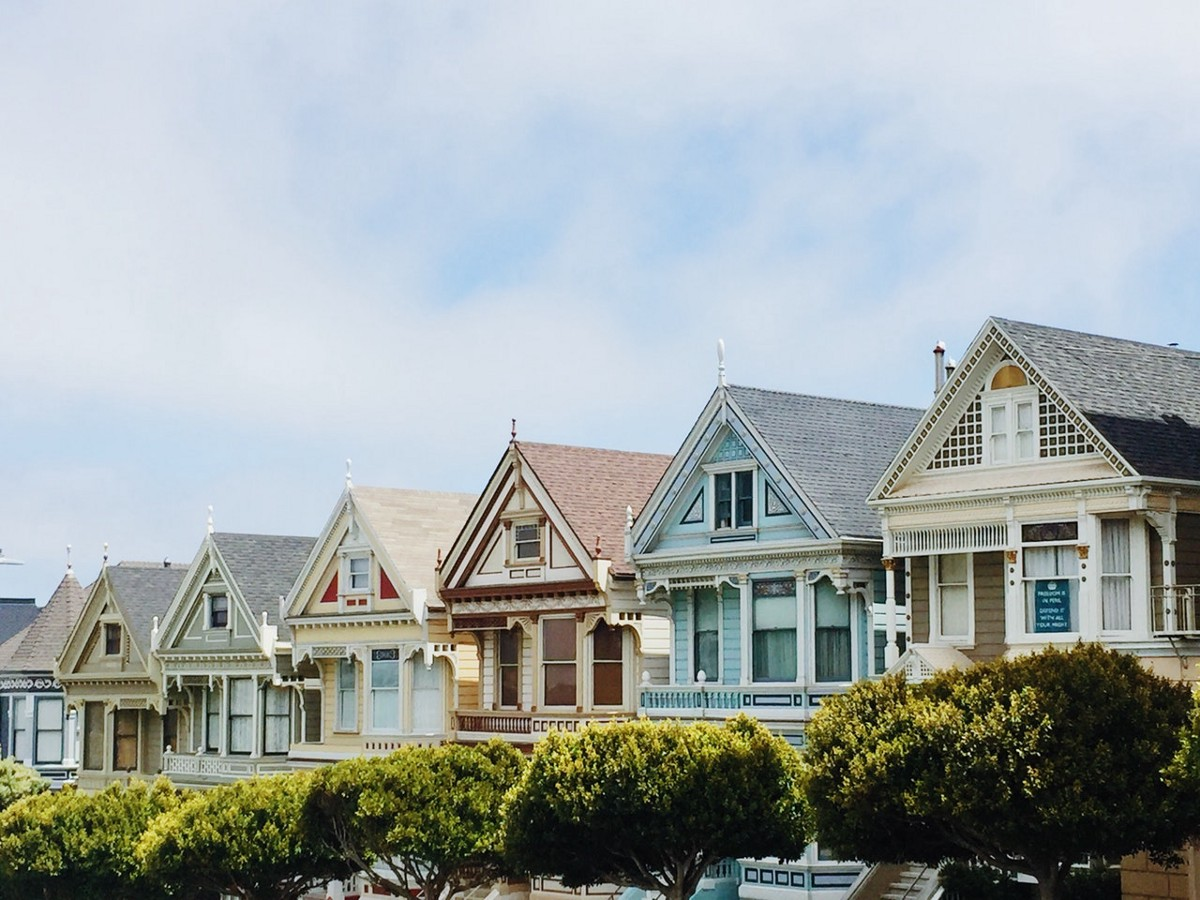 Why you shouldn't pay off your mortgage sooner: a loan officer's perspective.   by Isayah L. Durst
