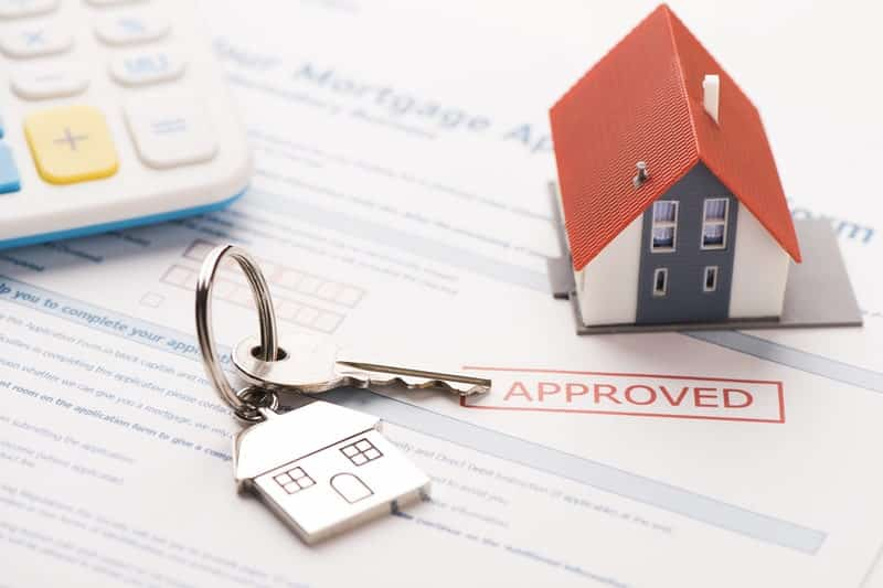 The Pros and Cons of Conventional Mortgage Loans