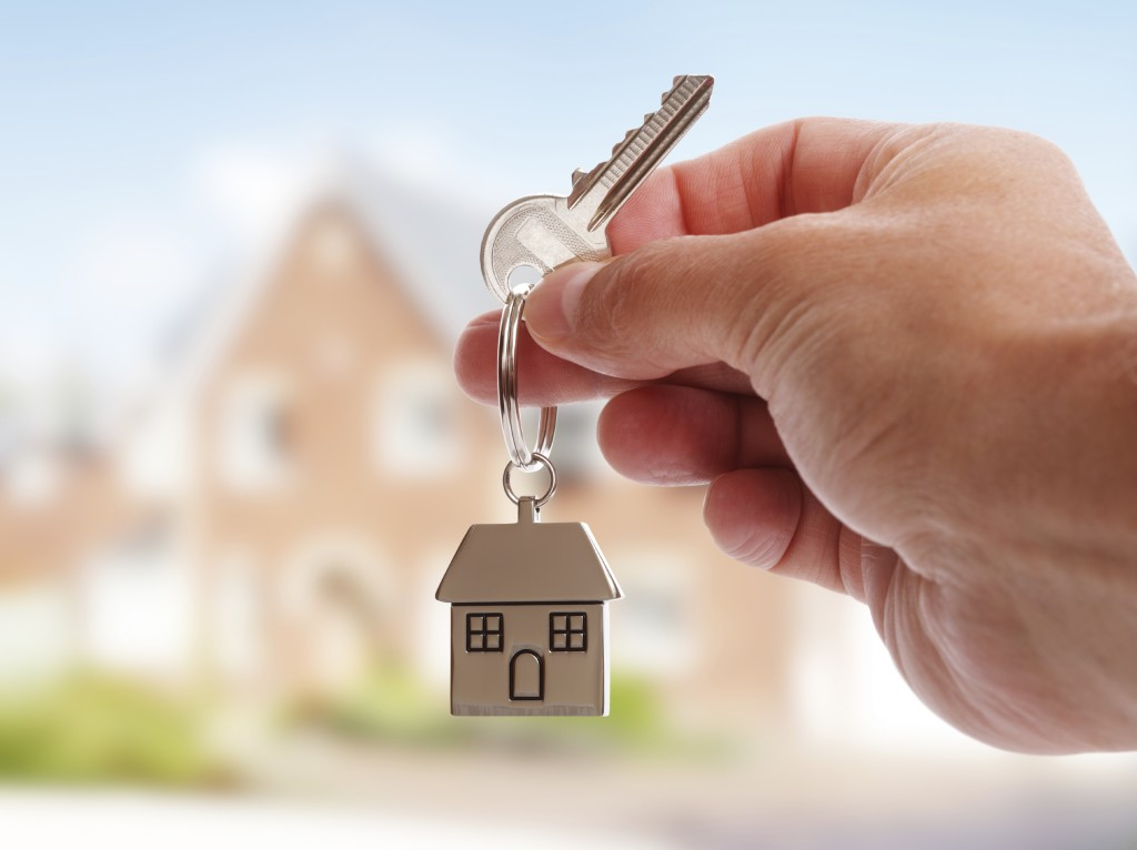 Should You Get Loan Modification or Refi Your Mortgage?